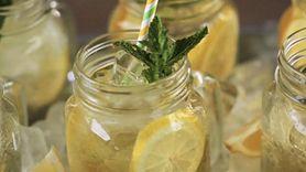 Niezwykłe właściwości wody z cytryną i cynamonem. Pij codziennie (WIDEO)