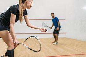 Squash – zasady, sprzęt, zalety i wskazówki jak grać