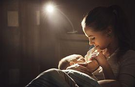 Co zrobić, gdy dziecko zasypia w czasie karmienia?