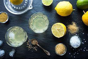 Pij codziennie wodę z solą himalajską i cytryną. Oto, co się stanie w organizmie