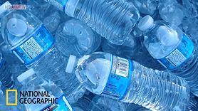 Dlaczego nie warto kupować wody w butelkach? (WIDEO)