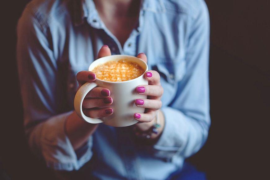 Picie kawy pomaga schudnąć