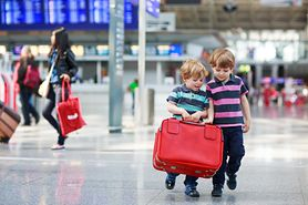 Czego nie robić na lotnisku i w samolocie? (WIDEO)