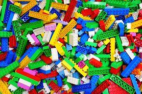 Jak wygrać wyścig lub połączyć kolory? W zabawie z LEGO® DUPLO® wszystko jest proste