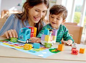 Pociągi, samochody, a może zwierzątka? Polecamy najciekawsze zestawy LEGO DUPLO dla małych budowniczych w każdym wieku!