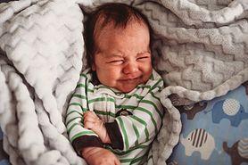 Dziecko spadło z łóżka – co zrobić?
