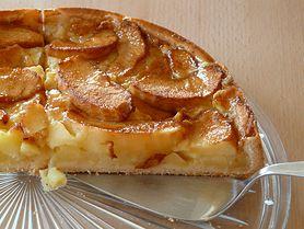 Placek z jabłkami - składniki, sposób przygotowania, wartości odżywcze