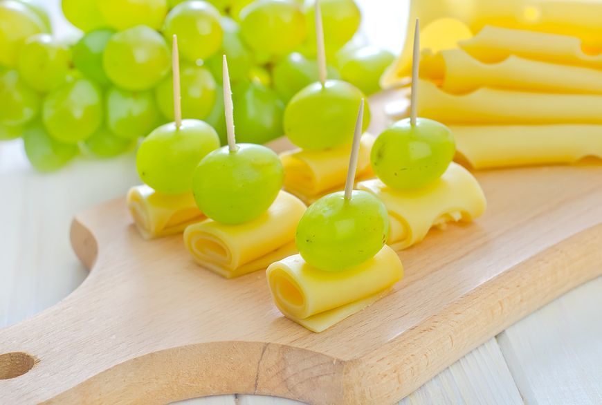 Owoce z serem (200 kcal)