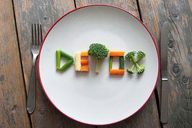Dieta oczyszczająca bez tajemnic. Kto potrzebuje detoksu i jakie są rodzaje kuracji oczyszczających?