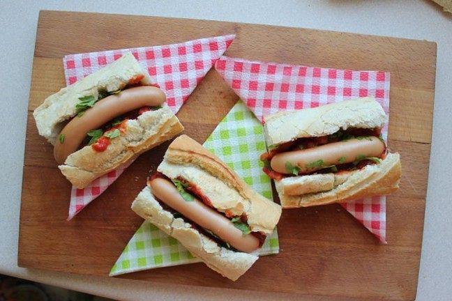 Hot-dogi z piwnym sosem