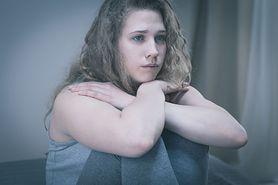 """""""Miałam takie poczucie, że nie istnieję"""".  W psychiatryku nastolatkowie walczą o życie"""