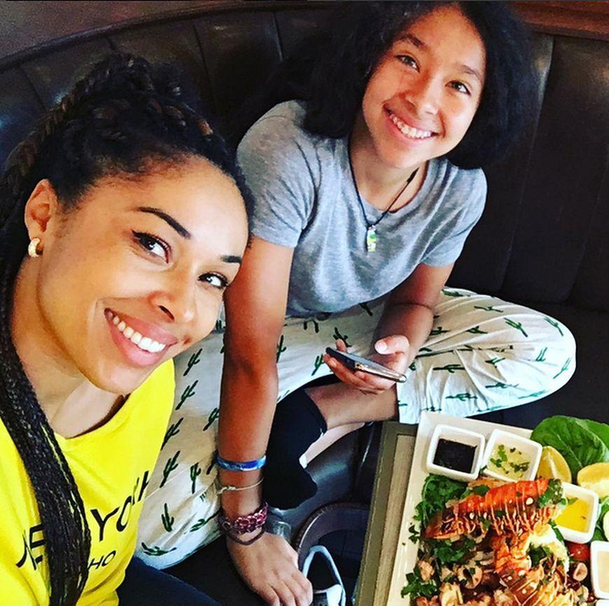 Omenaa Mensah i Vanessa