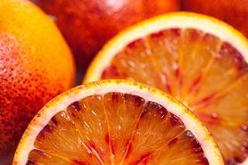 Czerwone pomarańcze dostępne w dyskoncie. Sprawdź, jakie mają właściwości (WIDEO)