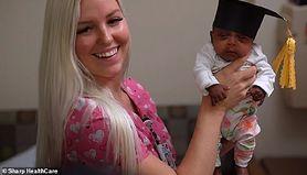 Saybie – najmniejsze dziecko na świecie wychodzi ze szpitala