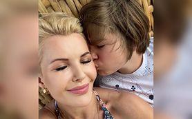 Joanna Racewicz zaszczepiła syna na COVID-19. Teraz dostaje pogróźki