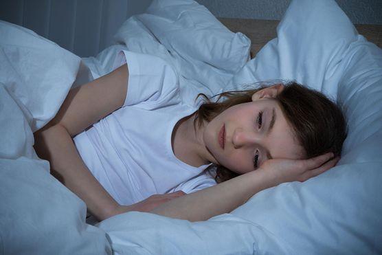 Problemy ze snem przy owsicy – jak sobie radzić?