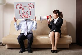 Przemoc psychiczna w małżeństwie i rodzinie - jak sobie z nią radzić