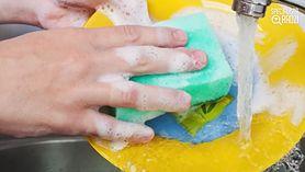 Specjalista radzi: starzenie się skóry dłoni (WIDEO)