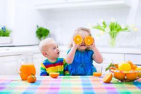 Jak skłonić dzieci do jedzenia warzyw i owoców?