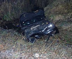 Śląskie. Straciła panowanie nad autem. Opel kobiety wpadła do Zalewu Rybnickiego