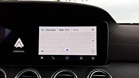 """Toyota ma powiedzieć """"tak"""" Androidowi Auto. Ciekawe, Google przecież zbiera za dużo danych"""