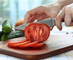 Nie wyrzucaj nasion z pomidora, które wypadają przy krojeniu. Przydadzą się