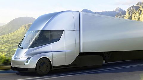 Ciężarówkę Tesli zamawia coraz więcej firm. Pierwsze modele już niebawem na drogach