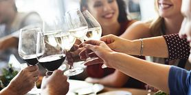 Alkohole, których należy unikać w święta. Powodują najgorszego kaca