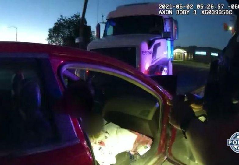 """Uderzyła w ciężarówkę. Policjant nie mógł uwierzyć: """"Ona prowadziła?!"""""""