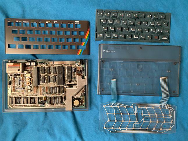 Pierwotna koncepcja umieszczenia ZX Spectrum w przeźroczystej obudowie.