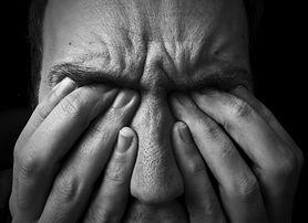 COVID-19 prowadzi do demencji? Naukowcy: Za kilkanaście lat może nadejść potężna fala powikłań