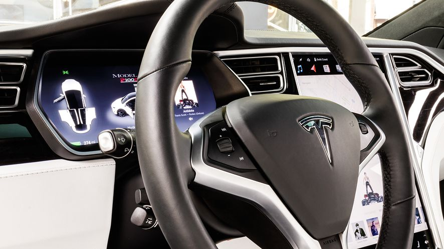 Samochody Tesli otrzymają aktualizację oprogramowania, depositphotos
