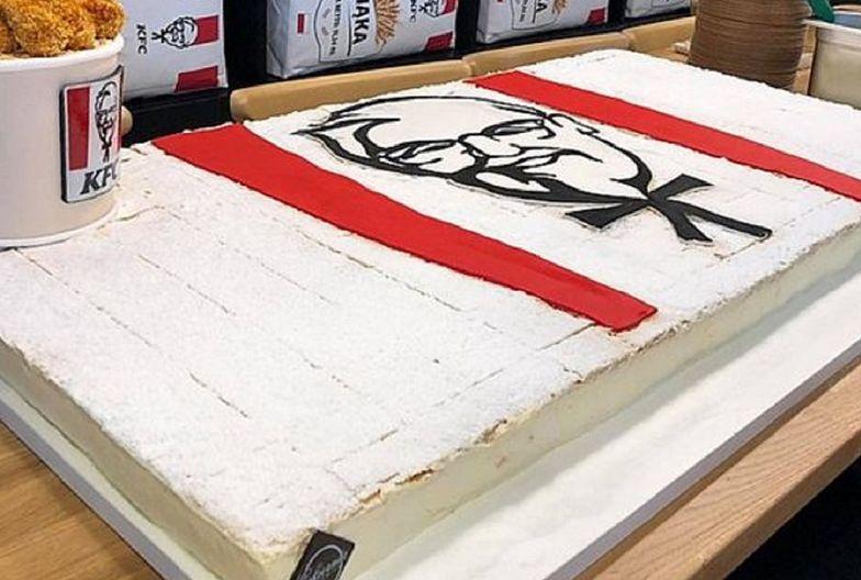 Wadowice oszalały na ich punkcie. Papieskie kremówki w KFC? Sieć komentuje
