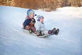 Zimowe atrakcje dla najmłodszych. Jak bawić się bezpiecznie?