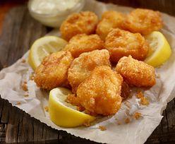 Przepis na rybę w panierce. Dzięki temu składnikowi jest niezwykle chrupiąca