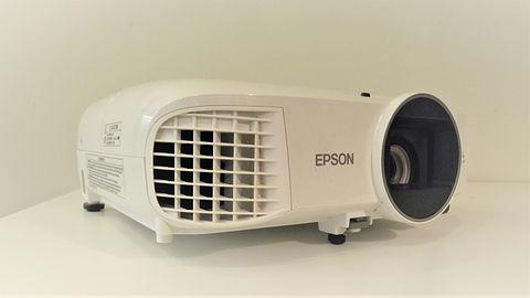 Epson EH-TW5600: test niedrogiego projektora z dużym potencjałem