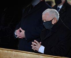 Kaczyński nie przestrzegał obostrzeń w kościele? Sprawę zbada sanepid