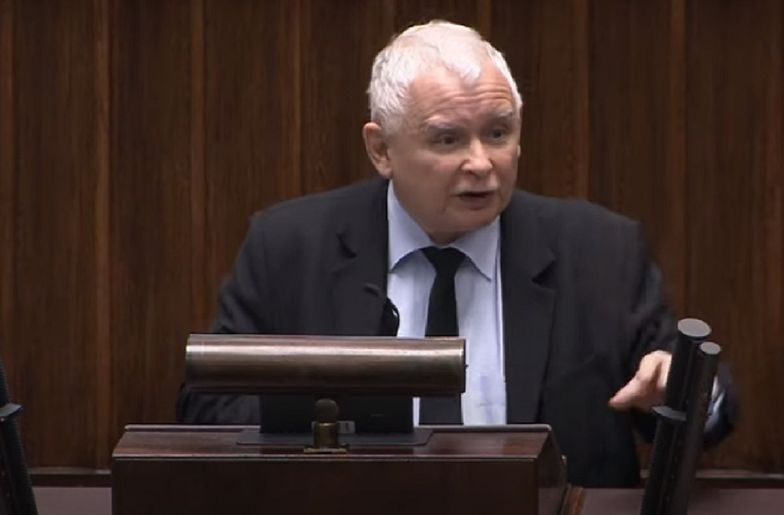 Gesty i słowa zdradziły Kaczyńskiego? Ekspertka od mowy ciała wyjaśnia