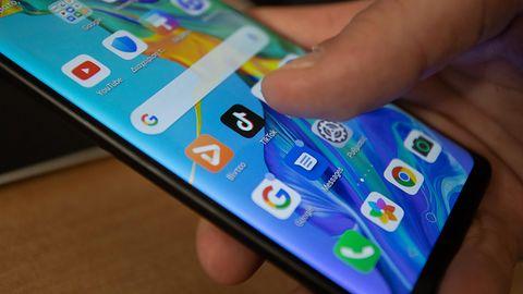 Google Sklep Play: 8 aplikacji wyłudzało pieniądze. Usuń je z telefonu