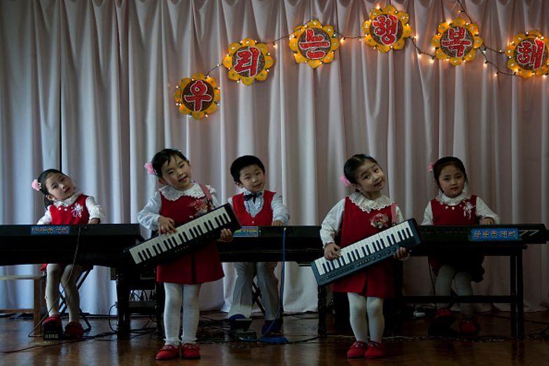 """Wielkie święto w Korei Północnej. """"Prezenty dość marne"""""""