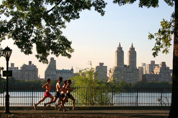 Jogging - biegający mężczyźni