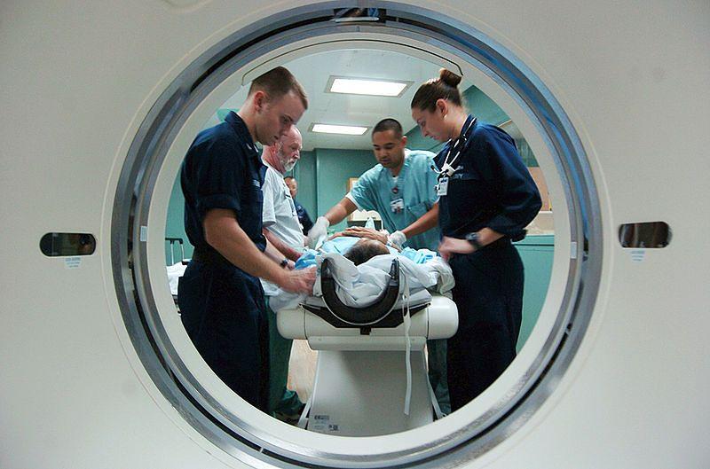Przygotowanie pacjenta do tomografii komputerowej