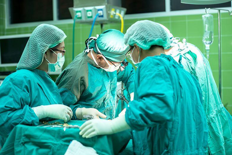 Japończyków atakuje groźna bakteria. Można umrzeć w kilka dni