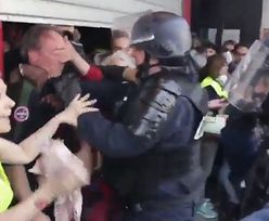 """Skandaliczne zachowanie policji na proteście """"żółtych kamizelek"""""""