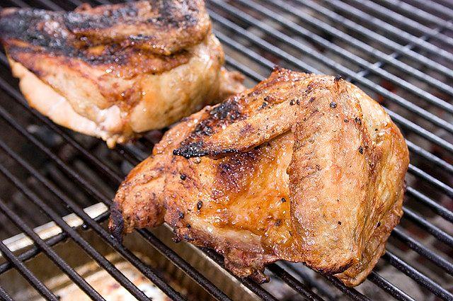 Kurczak z grilla i sos rybny
