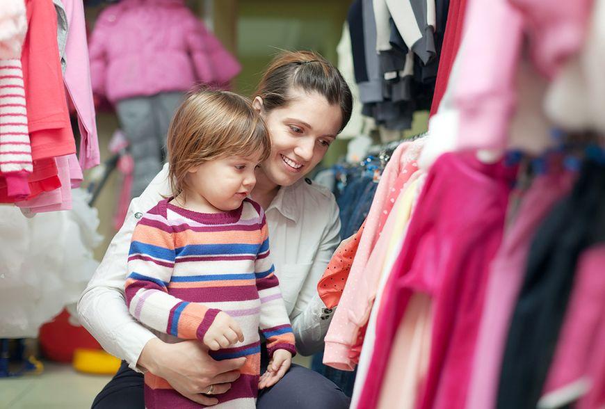 Kupowanie używanych ubrań