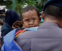 Indonezja: Ratownicy mówią o cudzie. Po 12 godzinach uratowali chłopca