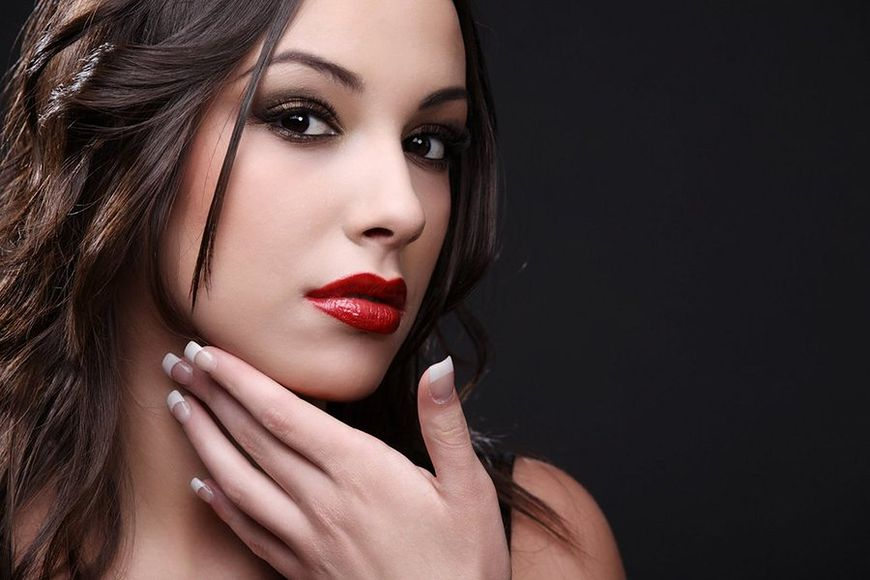 Manicure na okres świąteczny