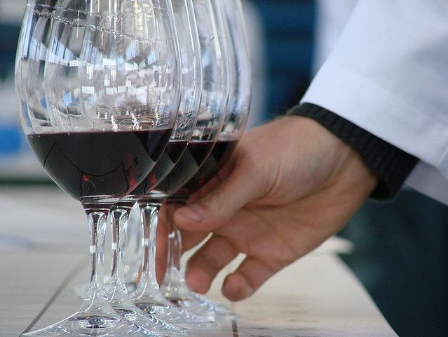 Sposoby na płaski brzuch - alkohol