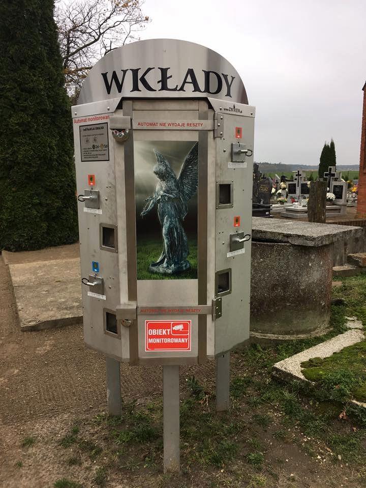 Automat z wkładami do zniczy